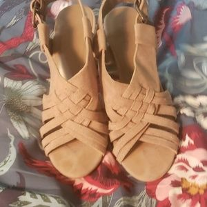 Forever 21 size 7 heels